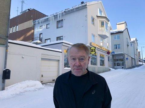VIL LØSE KRYKKJESAKEN: Gårdeier Per Sture Hansen jobber nå med å løse krykkjeproblemet. Foto: Trond Ivar Lunga