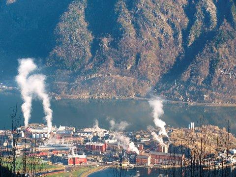 Odda er en av kommunene som vil tape store inntekter på fjerningen av maskinskatten. Mellom anna på grunn av industribedrifter som Boliden på Eitrheimsneset.