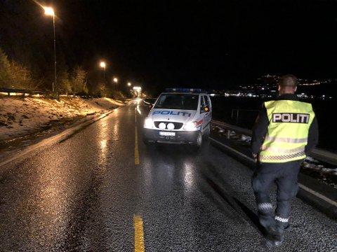Stengt: Vegen var stengt da HF var ved Eitrheimstunnelen klokka 20:00.