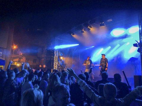 Den store Sommerfesten: Det var jubel og god stemning då Galaxee entra scena seint laurdag kveld i år. Arkivfoto: Eivind Dahle Sjåstad