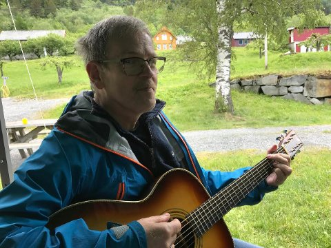 Johannes Hystad Pettersen skal ha innsetjingsgudsteneste i Kinsarvik 11. august og i Eidfjord 18. august.