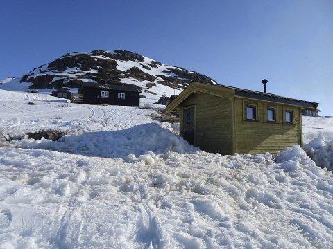 Ny utedo: I Hansbu har Ullensvang fjellstyre bygd ny do, og andre hytteeigarar har betalt ein sum for å få tilgang.