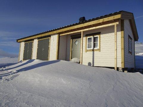 Nytt naust: Ved Nedre Krokavatn, på Hardangervidda, har Ullensvang fjellstyre bygd nytt naust. Her er det fire sengeplassar.