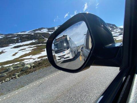 Trafikken økte med 10 prosent over Haukelifjell i sommer. Det er noe lavere vekst i prosent enn økningen over Hardangervidda.