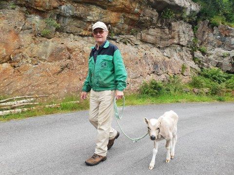To gode vener: Ivar og Ferdinand har vorte gode vener, og Ferdinand har det godt på rehabiliteringa i Fresvik.