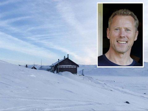 Det er flott på Hardangervidda og Litlos i disse dager, men i vinter blir den populære betjente turisthytta til DNT stengt. - Det er med tungt hjerte vi gjør dette, sier daglig leder i DNT Oslo og omegn, Henning Hoff Wikborg (innfelt).