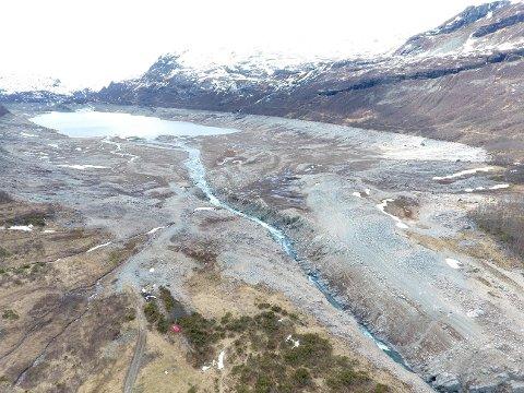REGULERT: Valldalsvatnet i Røldal er et av flere vann som er regulert i Røldal-Suldal kraft. Grunneigarlaget i Røldal stilte en rekke krav som de vil ha oppfylt når konsesjonen går ut. Nå blir det imidlertid ikke ny konsesjonsbehandling.