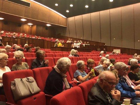 Odda kino: Arrangementet til Pensjonistforbundet Odda-Tyssedal samlet ca. 120 personer. Foto: Privat