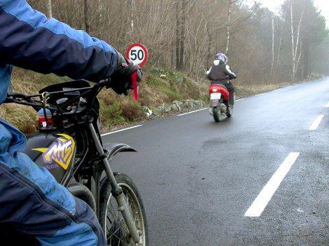 Trimming av mopeder er utbredt.