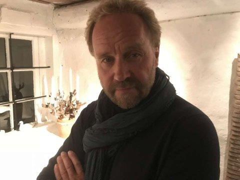 FORFATTER OG SANGER: Øystein Wiik. Foto: Egil Houeland