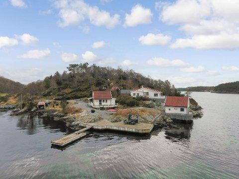 Fritidseiendommen på Børøy i Finnås ble solgt for 5.250.000 dagen etter visning.