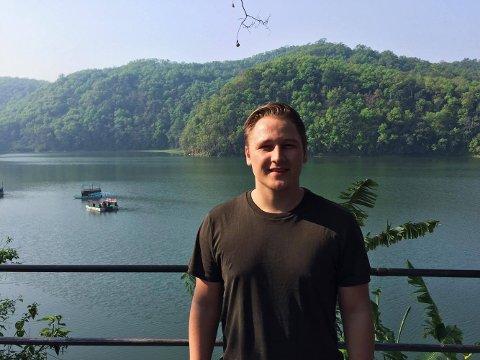 Harald Larssen Lønning på plass i Pokhara i Nepal.