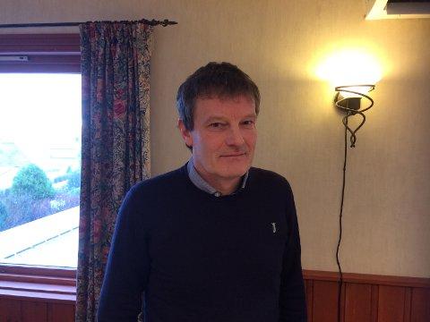Per Arne Lea forteller at de er utrolig glade for at Karmøy kommune er tilbake igjen i samarbeidet.