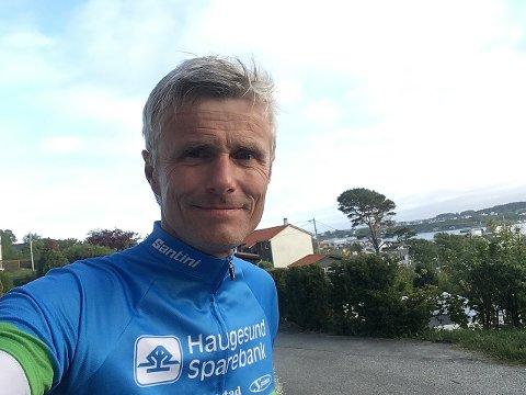 ETTERLYSER FLERE DELTAKERE: Haugesund Triatlons stevneleder Svein Jarle Aasen.