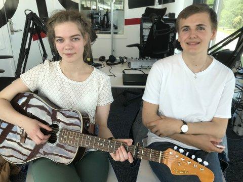 Linn Isabel Eielsen og Thomas Sævik på besøk i 102-studio.