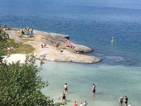 18 GRADER: Friluftsrådet målte 18 grader i Dragavika i Tysvær torsdag ettermiddag.