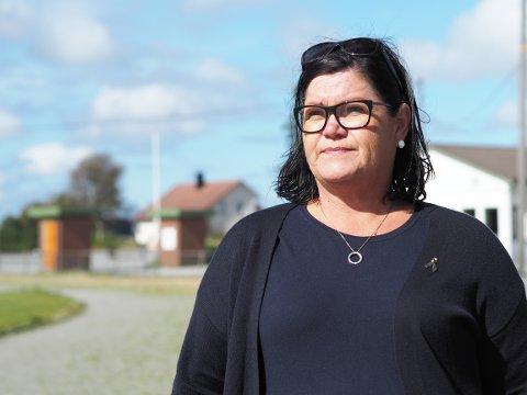 SØNDAGSMÅLTID: Anne Lene Knutsen og sanitetskvinnene på Åkra lager middag til inntekt for TV-aksjonen.