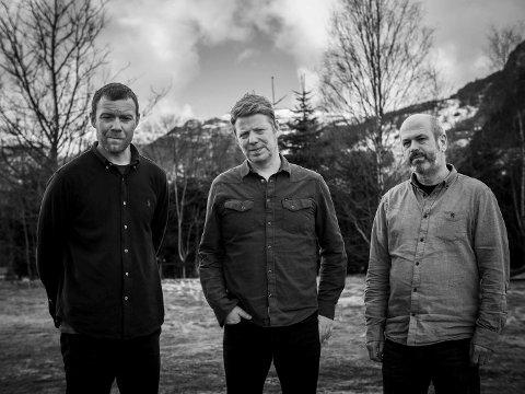 MUSIKALSK TRIO: -  Etter Lumen Drones-konserten er det bare å skifte skjorte og komme seg på Garasjebryggeriet, sier Per Steinar Lie. Fra v. Ørjan Haaland, Per Steinar Lie og Nils Økland i Lumen Drones.