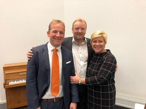 BUDSJETT: God stemning mellom Sveinung Stensland, Terje Halleland og finansminister Siv Jensen mandag morgen.