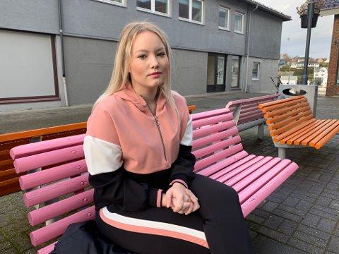"""BEKYMRET: 23 år gamle """"Lena"""" har benyttet seg av Møteplassen sitt tilbud i seks år. Nå frykter hun at tilbudet blir redusert."""
