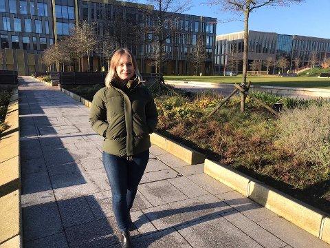 I GANG MED DOKTORGRAD: Charlotte Sørenes (24) fra Tysvær studerer ved universitetet i Birmingham.