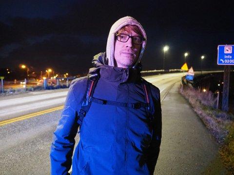 FRISKUS: Åsmund Olafsen tok bena fatt over broen da bussen ble stanset.