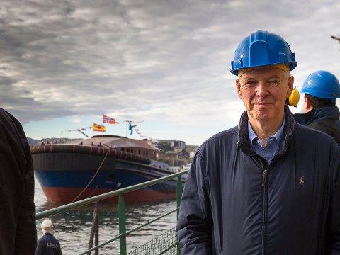 Etter flere tunge år med oljekrise, benyttet Johannes Østensjø og Østensjø Rederi seg av anledningen til å innta servicemarkedet for offshore vindmøller. Nå jakter ledelsen flere fornybar-kontrakter.