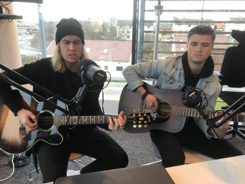 Jan-Otto Eriksen og Jarle Hundsnes i Muddy Young er aktive og har spilt hver helg siden nyttår