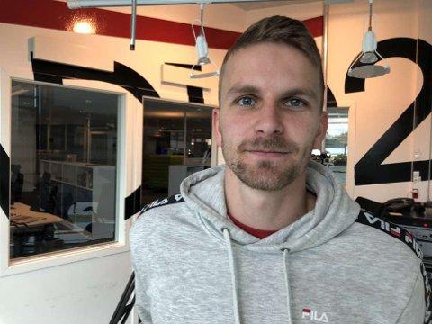 PÅ RADIO 102-BESØK: Torbjørn Kallevåg.