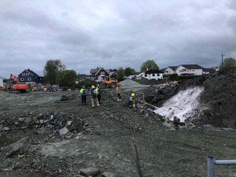 I 22-tiden rykket brannvesenet ut til Vormedal etter melding om ulmebrann på et byggefelt.