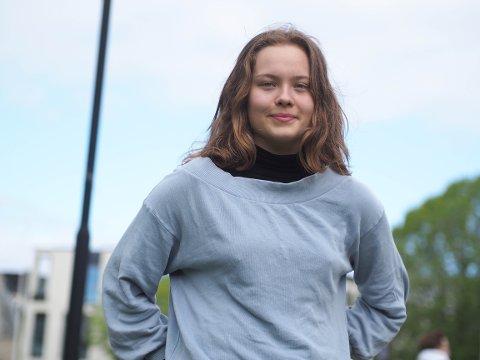 INITIATIVTAKER: Ine Halvorsen (16) går i første klasse på danselinja på Skeisvang videregående skole. Hun er én av sju-åtte initiativtakere til den lokale klimastreiken som ble arrangert fredag.