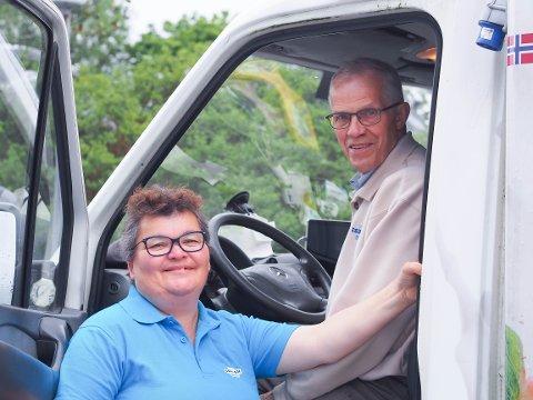 Lindy Mai (61) eller ektemannen Åge Torstein (73) Askeland har kjørt for Den norske isbilen i snart 20 år.