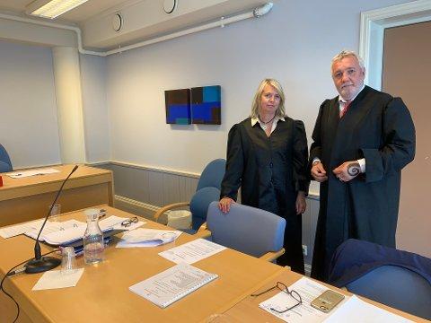 Forsvarere: Advokatene Line Hvidsten Ingebrigtsen og Kim Erling Gerdts forsvarer de to voldtektstiltalte mennene i Sunnhordland tingrett.