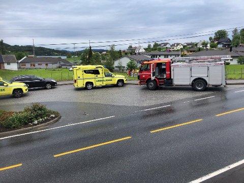 Helsepersonell ga behandling til sjåføren på stedet.