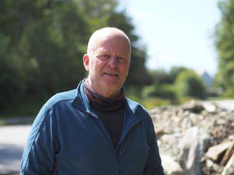 ETTERLYSER: Jan Anvedsen (66) er ivrig turgåer i Vangen og området rundt. Han savner at kommuen stuller og steller mer.