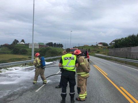 Brannen i et kjøretøy ved Karmsund bru er slukket.