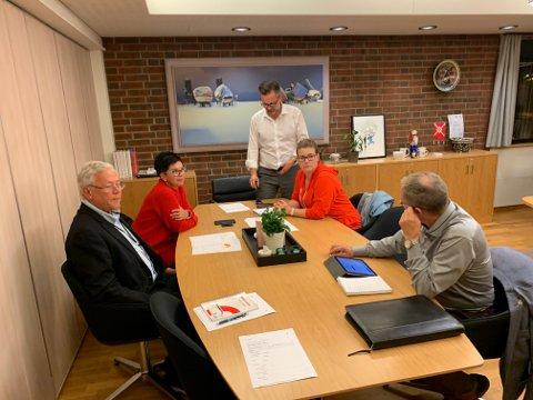 Representanter fra posisjonspartiene i Karmøy.