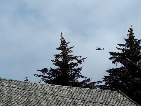 Helikopteret over Sandve sør på Karmøy.