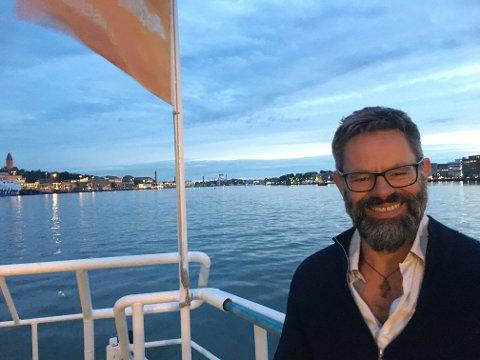 STARTET OPP I FJOR: Martin Alvsvåg (54) fra Rubbestadneset på Bømlo har starta Rivers.Global, som jobber for et renere hav.