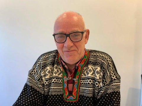 FORLIS: - Skipsforlis har alltid opptatt meg, men  har også med gledesspredere i min nye bok, sier pensjonist og forfatter John Ståle Egge fra Åkra.