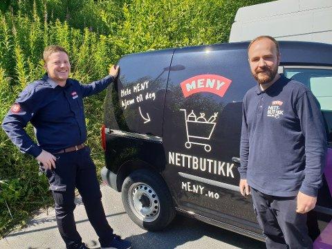 ENORM PÅGANG: Butikksjef Tor Harald Alvestad ved Meny Karmsundgata  Her med netthandelansvarlig Alexander Gravdal (t.h) i en sak fra sommeren 2019.