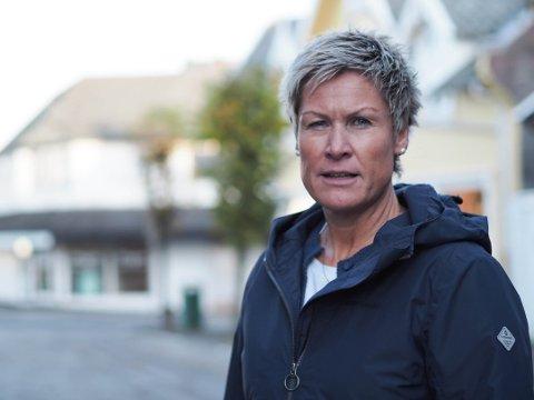 SLÅR ALARM: Leder og ungdomsveileder Anne-Therese Buer på Møteplassen