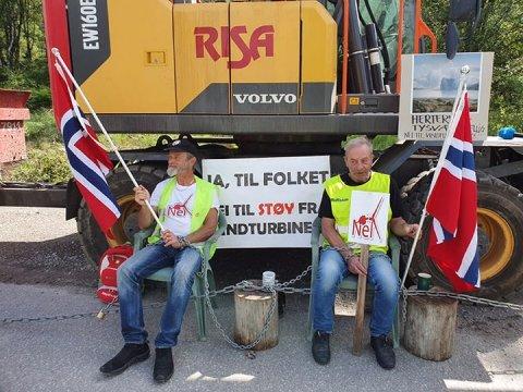TÅLMODIGE SJELER: Trond Hovda (t.v.) og Ove Stumo  i aksjon i Tysvær i sommer.