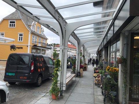 BALDAKIN: Slik ser det ut i Os sentrum. Slik vil også flere i Høyre at det skal se ut i Haraldsgata i fremtiden.