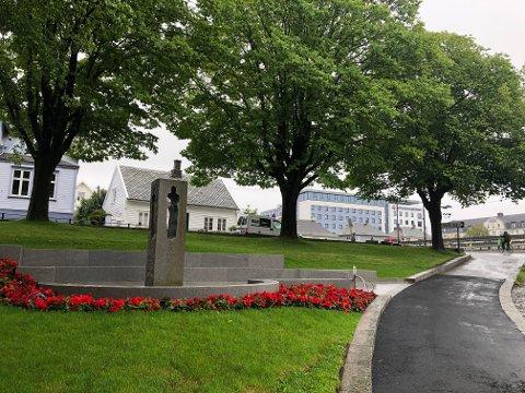 MARKERING: I den nye 22- juli-parken sør for rådhuset i Haugesund markeres terrorangrepet mot Norge kommende onsdag.