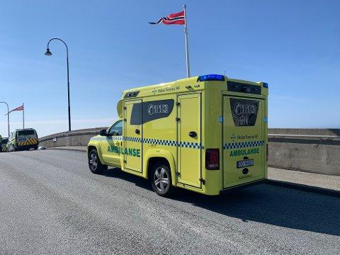 DØDE ETTER ULYKKE: En mann i 40-årene døde etter en MC-ulykke på Risøy bru mandag ettermiddag.