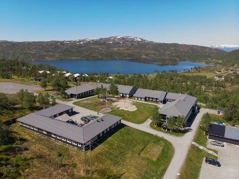 TURISTSENTERET: Det er Bedrifsmegler1 i Egersund som står for salget av Gullingen Turistsenter, som har sengeplass til 150 fordelt på 41 rom og fire leiligheter.