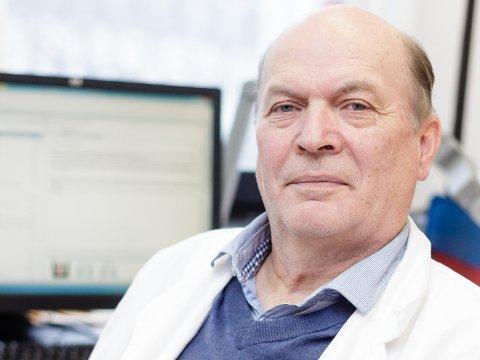 TRAVLE DAGER: Klinikkoverlege Helge Espelid ved Kirurgisk avdeling på Haugesund sjukehus.