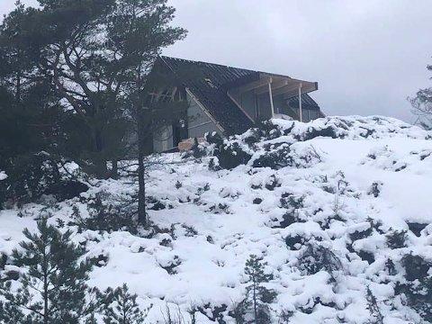 DAGTURHYTTE: Utsira får samme hytte. Denne dagsturhytta er under oppbygging i Sveio.