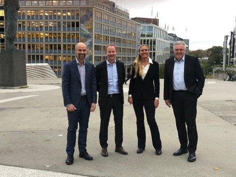 NY ALLIANSE: Stephen Bull i Aker Solutions, Lars Peder Solstad i Solstad Offshore, Guro Høyaas Løken i Windstaller Alliance og Øyvind Mikaelsen i DeepOcean.